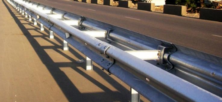 Фото Металлические ограждения барьерного типа