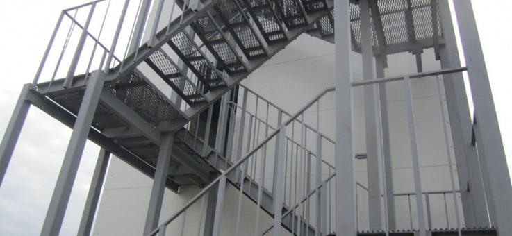 Фото Металлические лестницы, площадки и ограждения